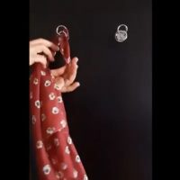 How to hung the scarf on the yoritom-Hook_3